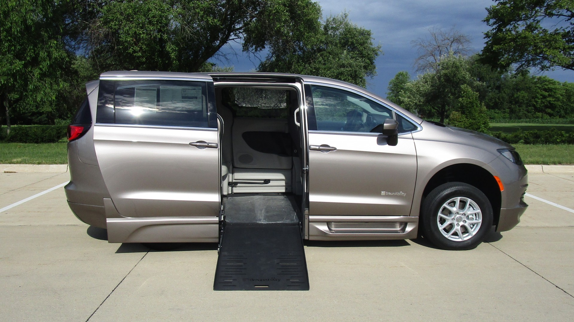 100 used chrysler pacifica for sale used chrysler pacifica for sale columbus ga cargurus. Black Bedroom Furniture Sets. Home Design Ideas