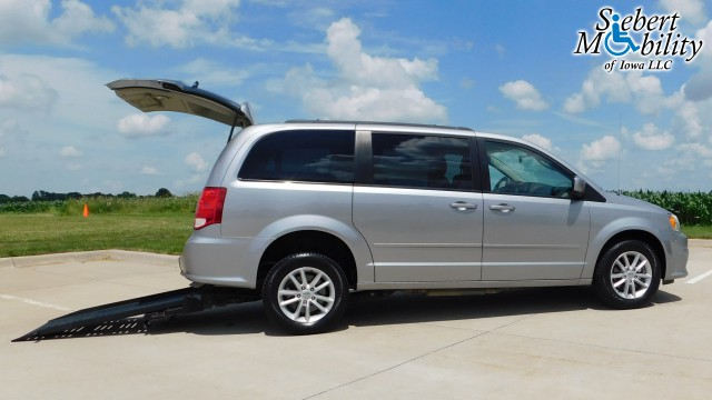 2015 Dodge Grand Caravan BraunAbility Dodge Manual Rear Entry Wheelchair Van For Sale