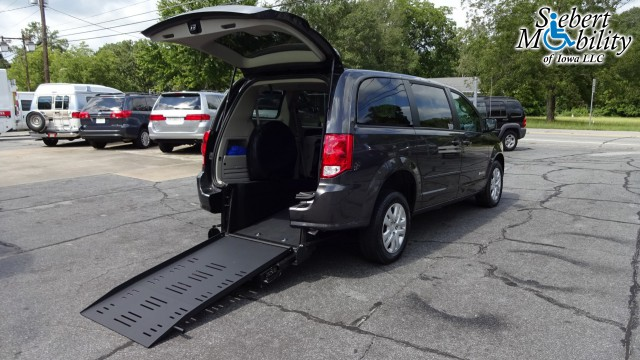 2017 Dodge Grand Caravan BraunAbility Dodge Manual Rear Entry Wheelchair Van For Sale