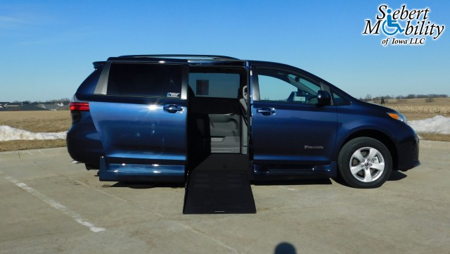 2020 Toyota Sienna BraunAbility Rampvan XT Wheelchair Van For Sale